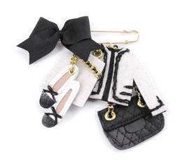 Brooch Romy black