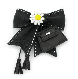 Brooch Kelly Daisy black