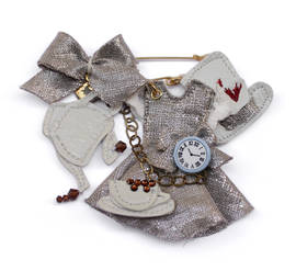 Brooch Alice